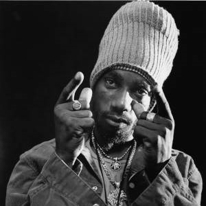 Sizzla and Guiness represents Peace in the East