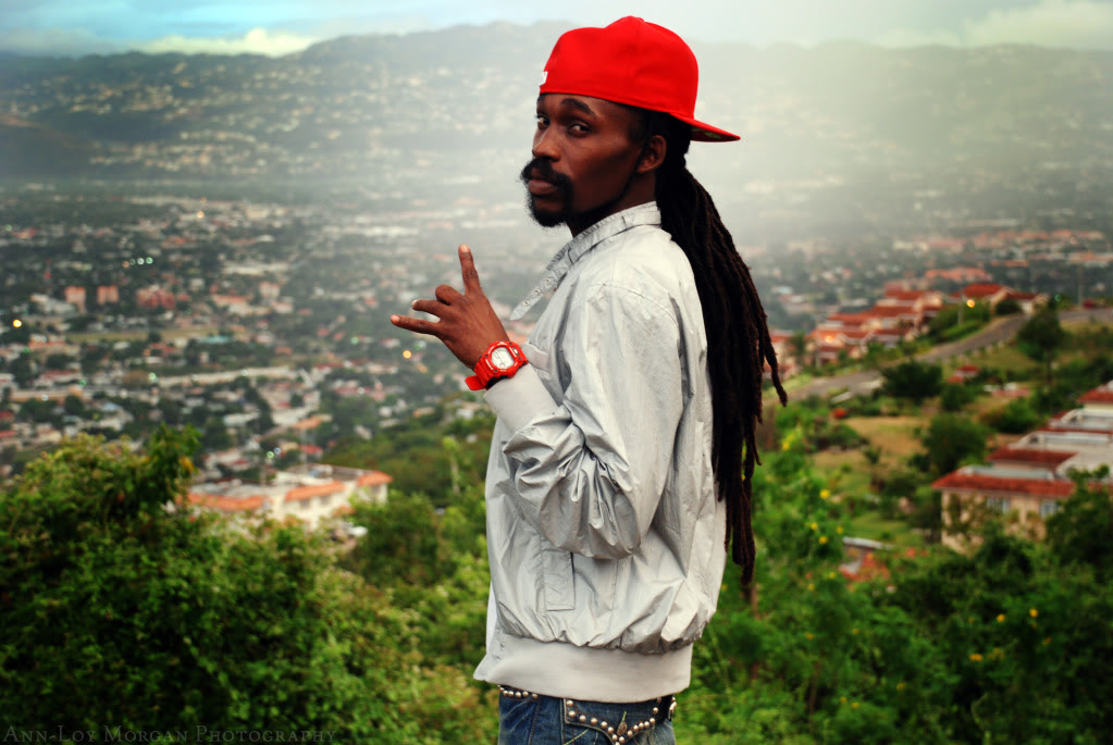 Munga returns from US, confirms second album